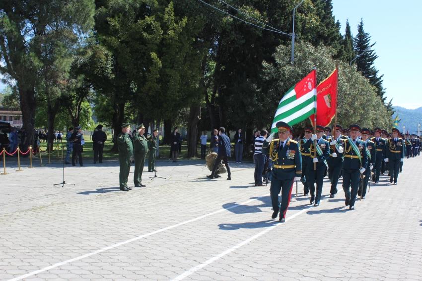 Генеральная репетиция военного парада, посвящённого 76-летию Победы в Великой Отечественной войне 1941 – 1945 гг. прошла в г. Сухум.