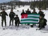 Команда Министерства обороны Республики Абхазия готовится к международному этапу конкурса по ски-альпинизму «Саянский марш» в Центре военно-спортивной подготовки ЦВО Ергаки.